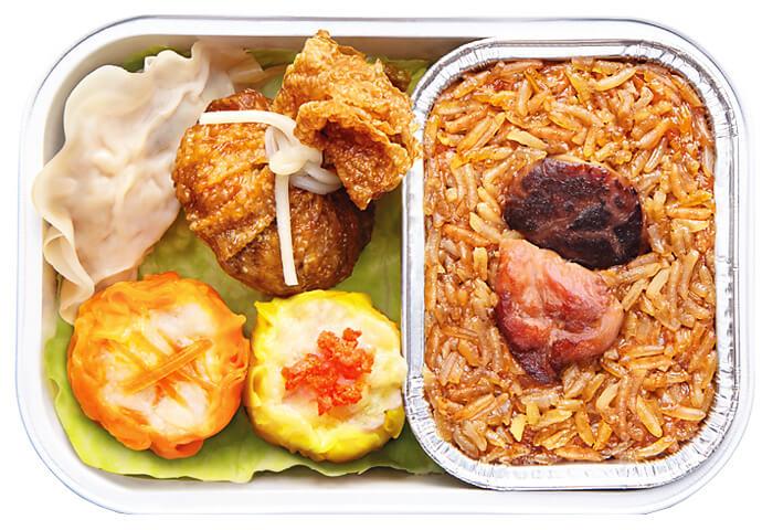 Nasi Ketan dengan Combo Ayam dan Dim Sum